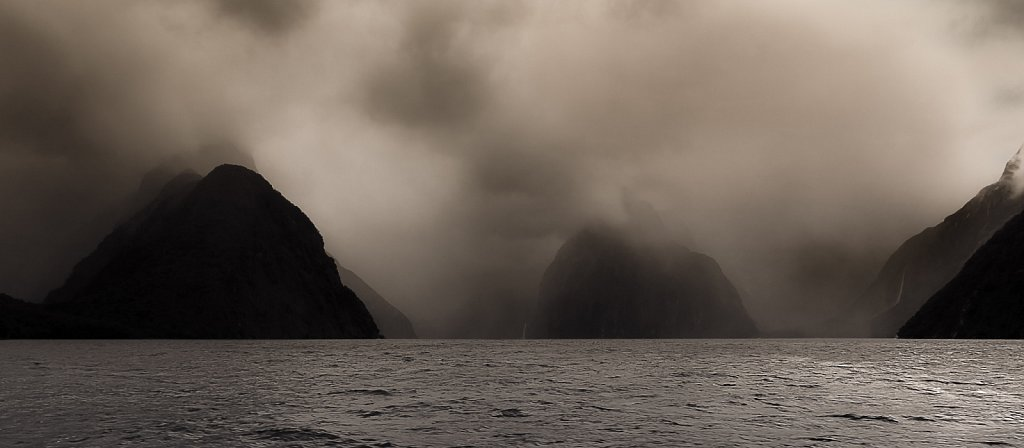 New-Zealand-Milford-Sound-Nov-2004-0002-715-717-719-1119.jpg